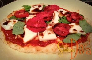 SImple Pizza Using Stonefire Naan